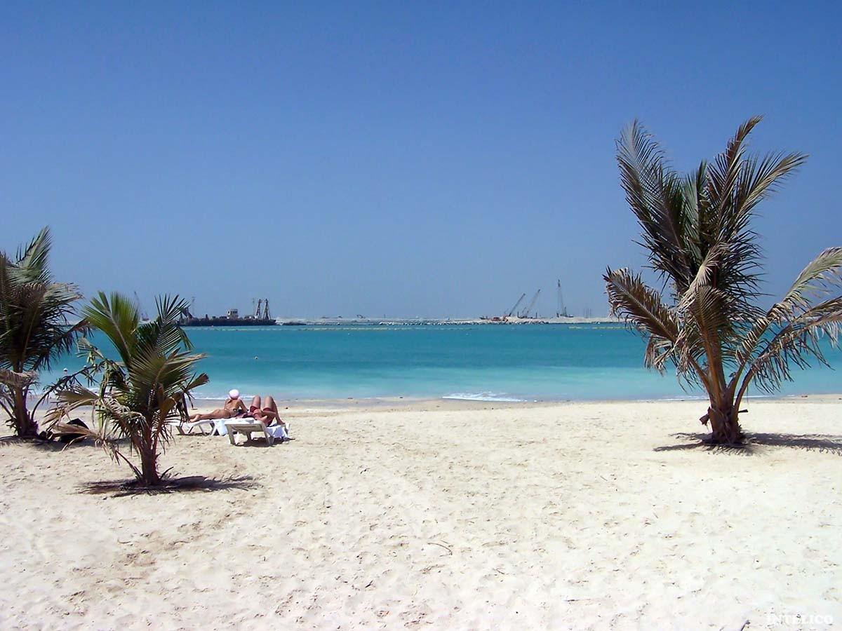 Пляж парка Al Mamzar Beach Park